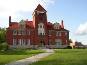 Sturtevant Hall, Hebron Academy (2004)