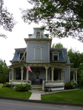 Frank Campbell House (2004)