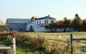 Farmhouse and barn in Pennellville (2009)