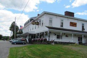 Maine House/Home Furnishing (2010)