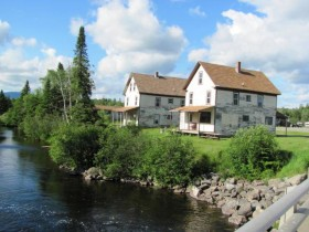 Cottages on the Roach River in Kokadjo