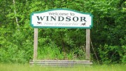 "sign: ""Welcome to Windsor"" (2012)"