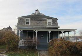Conant Sawyer Cottage (2013)