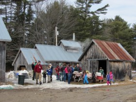 Visitors on Maple Sunday (2012)