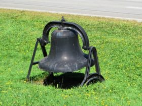 Bell on Meetinghouse Grounds (2014)