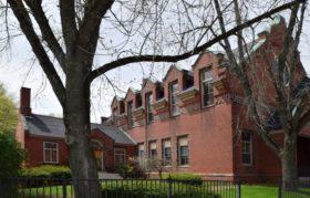 Gardiner Public Library (2017)