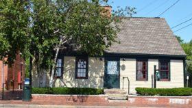 Mitchell-Soule-Davis House , c. 1790, Post-Colonial cape (2017)