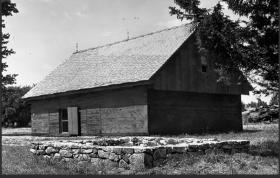 1735 Garrison/Powder House (1970)