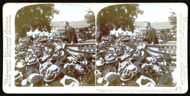 Theodore Rooservelt in Waterville (1902) addressing a large crowd.