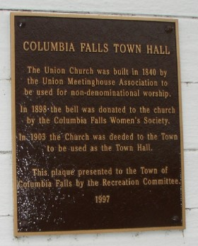 Plaque on the Union Church and Town Hall (2004)