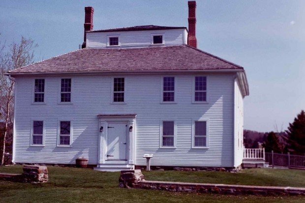 Fort House (2001)