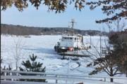 Breaking Ice in Gardiner (2001)