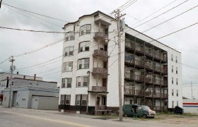 Apartment Building (2002)