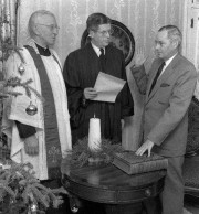 Governor Cross taking the oath of office (courtesy Maine State Archives)
