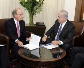 Mitchell and Israeli Prime Minister Netanyahu, October 2010