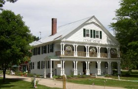 Lake House in the Historic District (2003)