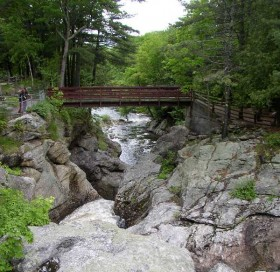 Snow Falls Park (2003)