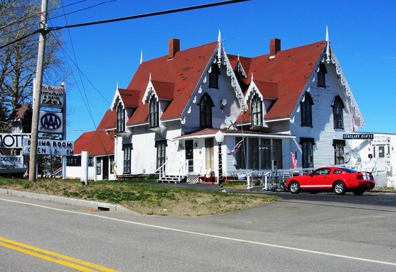 Henrietta Brewer House, now Redclyffe Motel (2013)